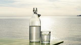 A invenção que permite converter água do mar em água potável em apenas meia hora, de forma sustentável