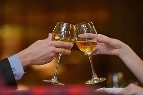 Dois truques fazem o vinho durar mais tempo depois de aberto