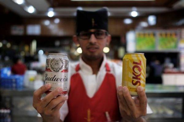 Na batalha das cervejas, Ambev esmaga Heineken nas periferias