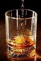 Química revela qual é o melhor jeito de beber uísque